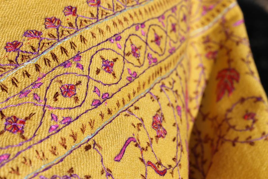 fular-amarillo-Kashmir-3