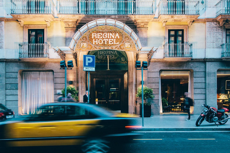 hotel regina barcelona celebra 100 a os a ritmo de piano