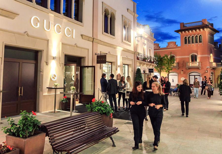 Gucci_La_Roca_Village