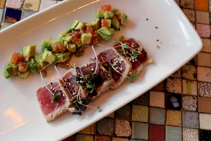 Ultramarinos-restaurante-tataki